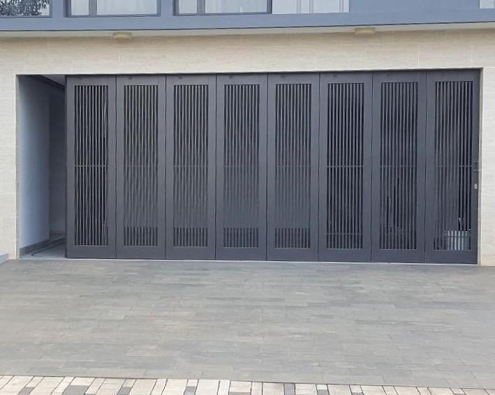 Pintu Garasi - Pintu Garasi Tikung