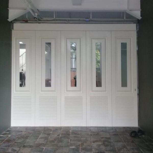Pintu Garasi - Panel Kaca