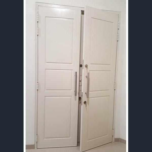 Pintu Rumah - Pintu Kupu Tarung