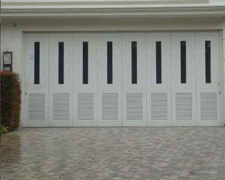 Pintu Garasi - Type : Minimalis Kaca