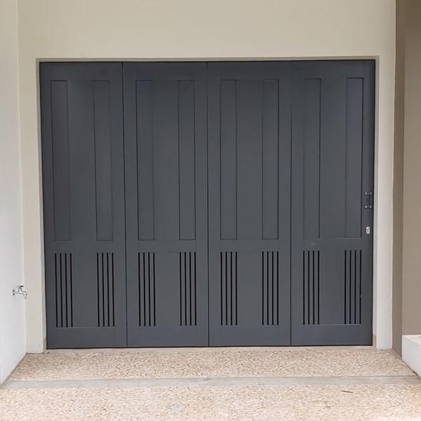 Pintu Garasi - Kontemporer Modern